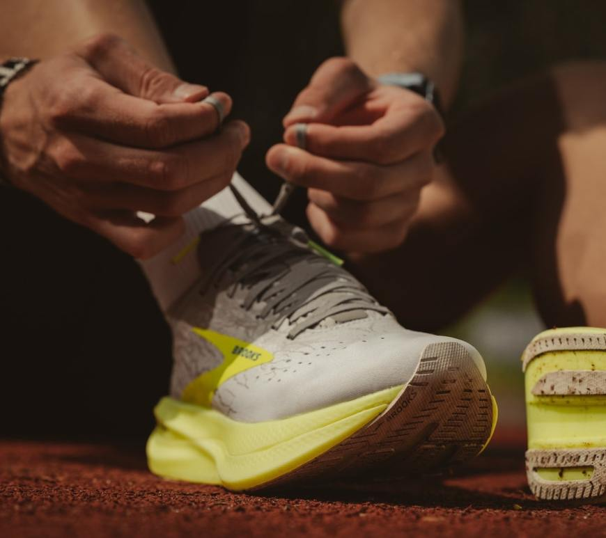 Schuhe schnüren für den Saisonstart. Foto: Malik Skydsgaard